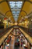 Adelaide Arcade mit Weihnachtsdekorationen Stockbilder