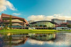 Adelaide Convention Centre au coucher du soleil photos stock