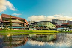 Adelaide Convention Centre bei Sonnenuntergang Stockfotos