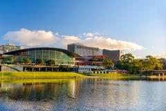 Adelaide Convention Centre bei Sonnenuntergang Lizenzfreie Stockfotos