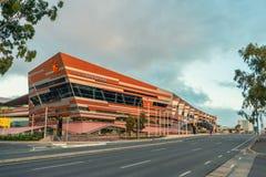 Adelaide Convention Centre an der Dämmerung Stockbild