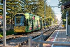 Adelaide Metro-Tram bei Glenelg Stockfotografie