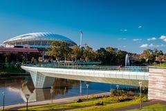 Adelaide Oval e ponte do pé Fotografia de Stock Royalty Free