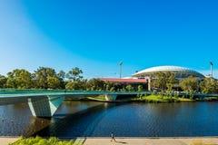 Adelaide Oval sah über Fußbrücke an Lizenzfreie Stockbilder