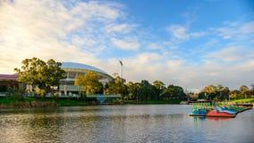 Adelaide Oval- und Torrens-Fluss Stockfotografie