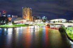 Adelaide in Süd-Australien nachts Lizenzfreie Stockfotos