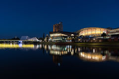 Adelaide-Stadtreflexion nachts Stockfoto