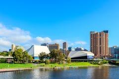 Adelaide-Stadtskyline mit seinen ikonenhaften Gebäuden Stockfotografie