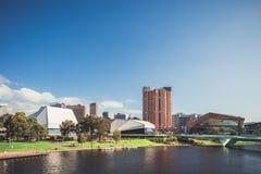 Adelaide-Stadtskyline mit seinen ikonenhaften Gebäuden Lizenzfreie Stockfotografie