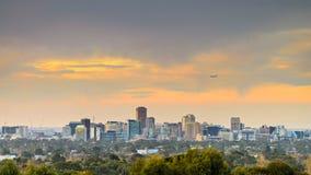 Adelaide-Stadtskylineansicht bei Sonnenuntergang Lizenzfreie Stockfotografie