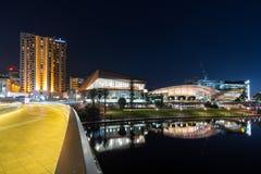 Adelaide-Stadtstegüberschrift in die Stadt Stockfoto