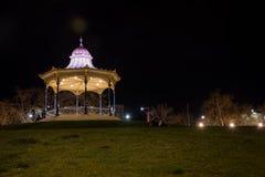 Adelaide - starsza osoba park - wieczór fotografia stock
