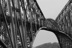 Adelante puente del carril Foto de archivo