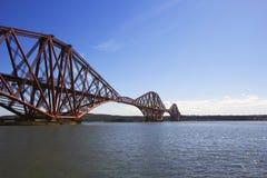 Adelante puente del carril de Queensferry del sur, Escocia Fotos de archivo