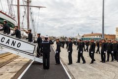 Adelborsten van het schip Juan Sebastian de Elcano stock afbeeldingen