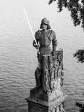 Adeln Sie Bruncvik-Statue auf Charles-Brücke in Prag Lizenzfreie Stockfotos