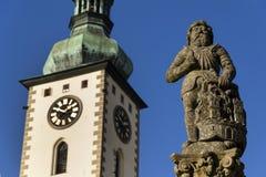 Adeln Sie Ronald auf Brunnen vor Kirche in Tabor, Tschechische Republik Stockbilder