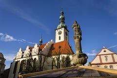 Adeln Sie Ronald auf Brunnen vor Kirche in Tabor, Tschechische Republik Stockfotos