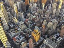 Adem die kijk op Manhattan van Empire State Building in NY hebben Royalty-vrije Stock Fotografie