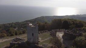 Adembenemend landschap van de vesting en de Zwarte Zee van Anacopia op zonnige de zomerdag stock video