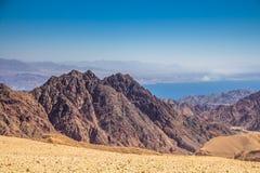Adembenemend Panorama van Onderstel Salomon 'Har Shelomo 'Hebreeër in Eilat-Bergen en de Golf van Aqaba royalty-vrije stock foto