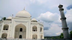 Adembenemend Taj Mahal in Agra, India stock footage