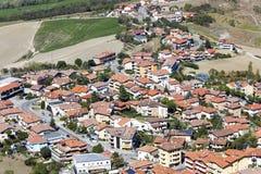 Adembenemende mening rond van de heuvels van San Marino stock foto's