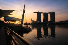 Adembenemende Zonsopgang in Marina Bay, Singapore Royalty-vrije Stock Fotografie