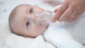 Ademhalingstherapie stock videobeelden