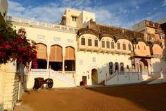 adentro Castillo de Mandawa Rajasthán La India Fotos de archivo
