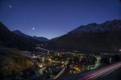 Adermatt, Швейцария на ноче Стоковые Фотографии RF