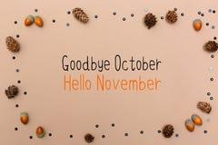 Adeus mensagem de outubro olá! novembro com tema do outono imagens de stock royalty free