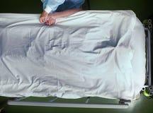Adeus na cama de hospital Imagens de Stock