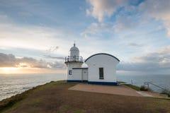 Adherence du phare de point le temps de matin Port Macquarie, NSW, A Photos stock