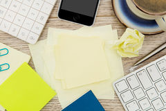 Adhesive note on desk Stock Photography