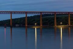 Adiante ponte sobre o delta de adiante perto de Queensferry em Escócia Foto de Stock Royalty Free
