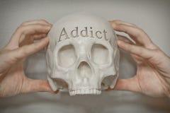Adicto al grabado del cráneo foto de archivo libre de regalías