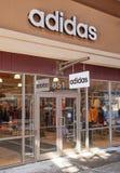 Adidas-Ausgang Stockfoto