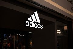 Adidas kaufen Logo Stockfotografie