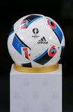 Adidas kawaler Jeu - urzędnik zapałczana UEFA euro 2016 piłka Obrazy Royalty Free