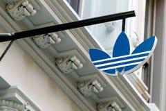 Adidas-Logo Lizenzfreie Stockbilder