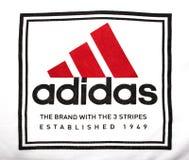 Adidas-Logo auf Stoff Stockfoto