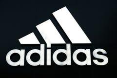 Adidas unterzeichnen Stockfoto