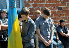 Adieu aux défenseurs tombés du _6 de l'Ukraine Denis Gromovyy Photographie stock libre de droits