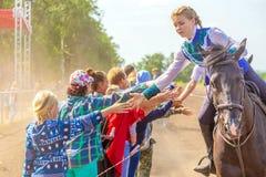 Adieu du groupe de dzhigitovka avec l'assistance Festival équestre dans la région de Samara photographie stock libre de droits