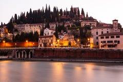 Adige-Fluss-Damm am Morgen Lizenzfreie Stockbilder