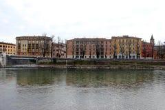 Adige-Fluss in Verona Stockfoto