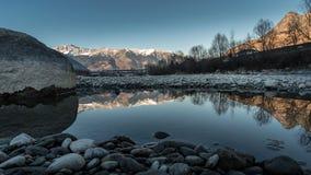 Adige rzeka w Włochy zdjęcie royalty free