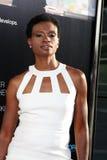 Adina Träger kommt in HBO an   Lizenzfreie Stockbilder
