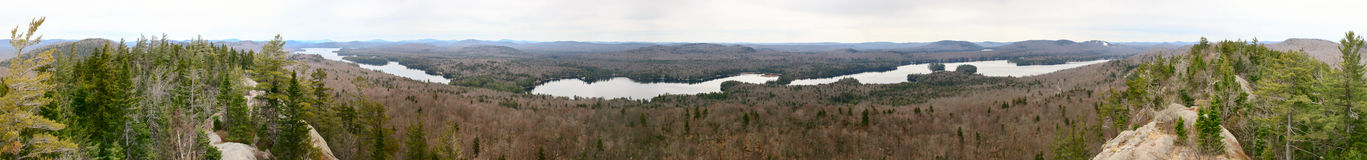 Adirondack-Gebirgspanorama mit Seen Stockfotos